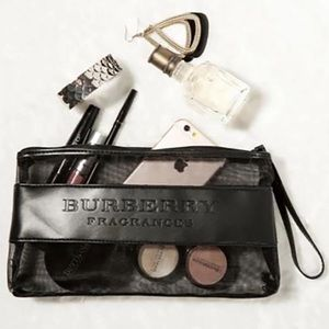 New Authentic Large Burberry Makeup Pouch 🖤